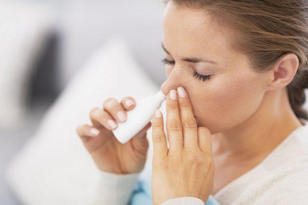 Капли в нос при беременности: какие можно принимать в 1, 2 или 3 триместре, как влияют сосудосуживающие капли на плод и чем опасны для матери