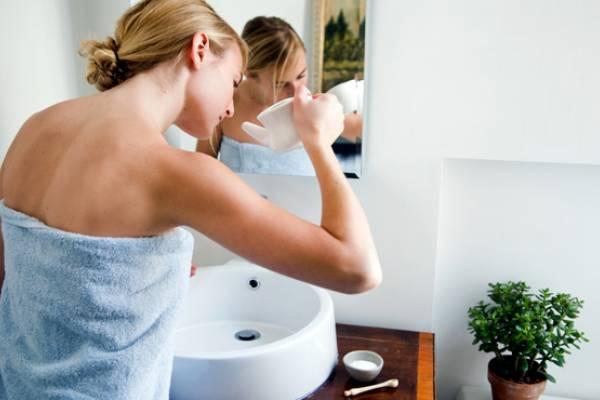 промывание носа в ванной