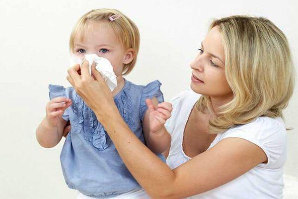 Аллергический ринит у ребенка: симптомы и лечение, как отличить от обычного насморка
