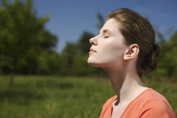 свободное дыхание у девушки