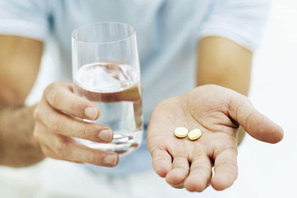 вода с таблетками