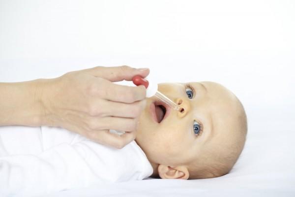 закапывание молока в нос грудничку