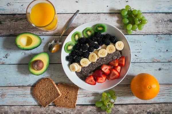 фрукты овощи в миске
