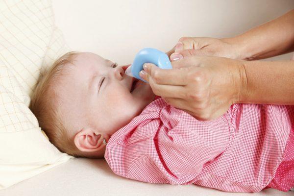 высасывание соплей ребенку