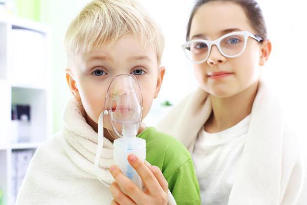 использование небулайзера ребенком