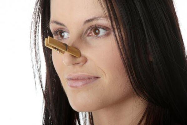 заложенность носа у девушки