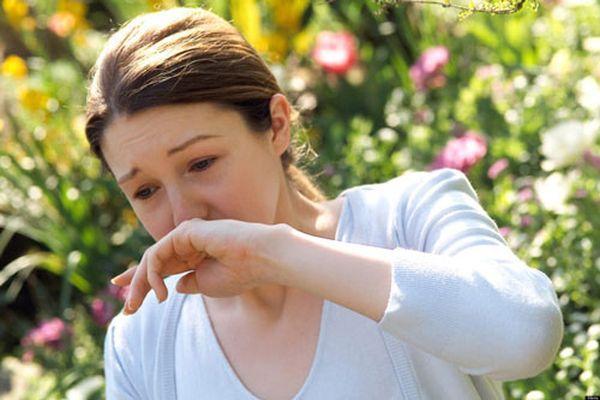 алергия у девушки