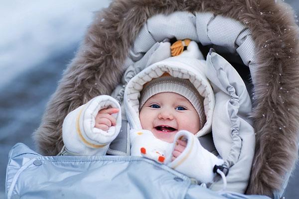ребенок в коляске зимой