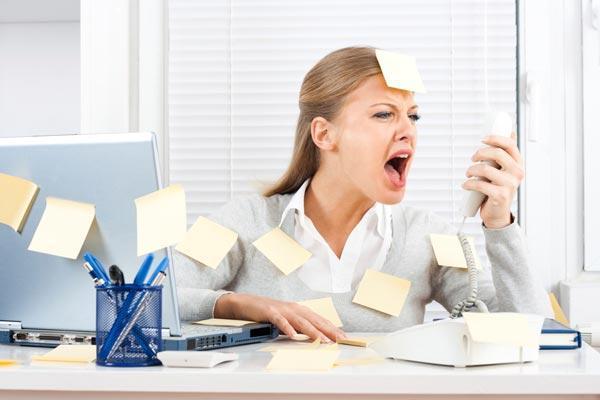 у девушки стресс на работе