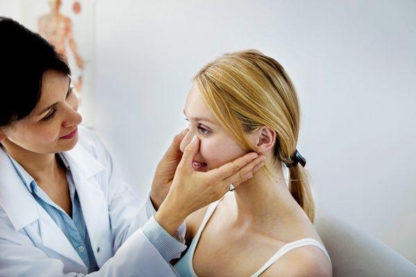 надавливание носа