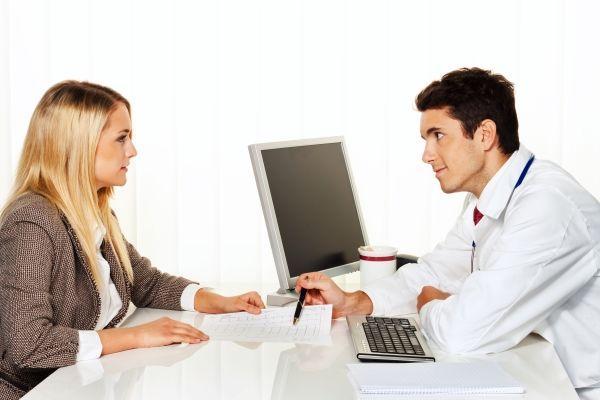 консультации женщины у врача