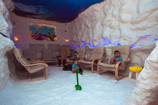 дети в соляной пещере