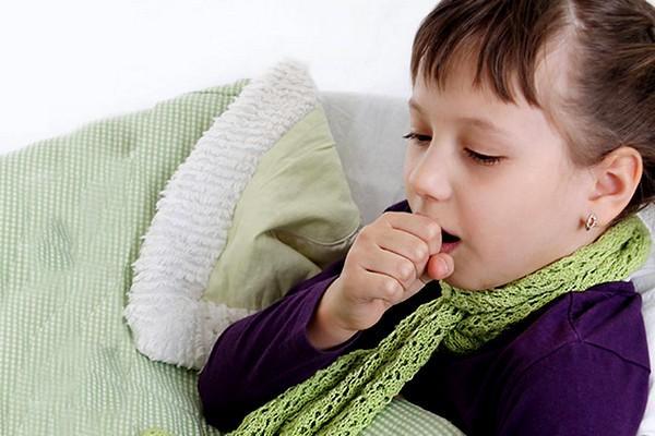 Аллергический трахеит у девочки
