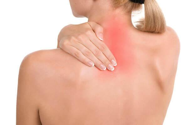 у женщина боли в спине