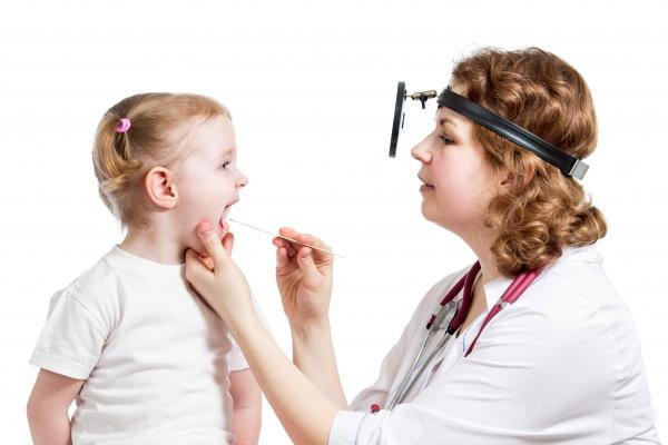 Какой врач лечит лимфоузлы на шее: к кому обращаться при воспалении?