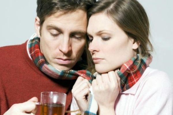пара с больным горлом
