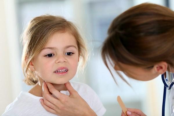 охриплость голоса у ребенка