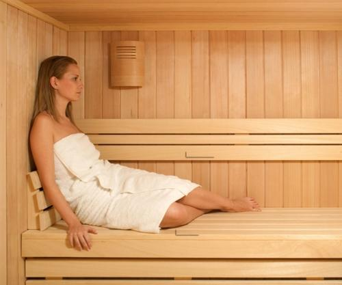 Можно ли мыться ходить в баню и парить ноги при ангине без температуры