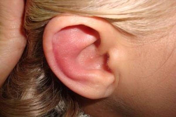 красное ухо