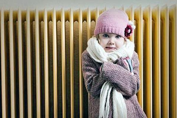 девочке холодно