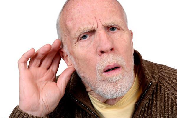 у мужчины плохой слух