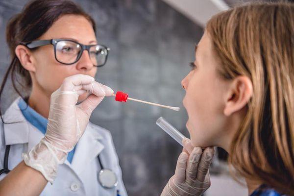 Лекарства от ларингита и осиплости голоса у взрослых