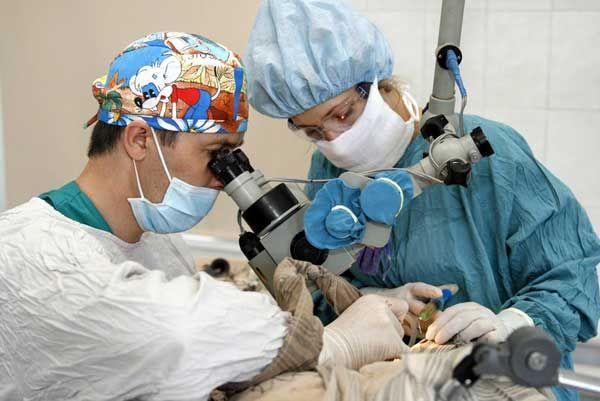 операция на ухе