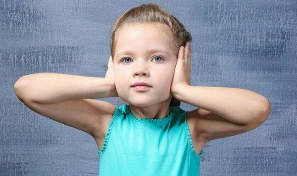 Причины, симптомы и лечение тугоухости у детей