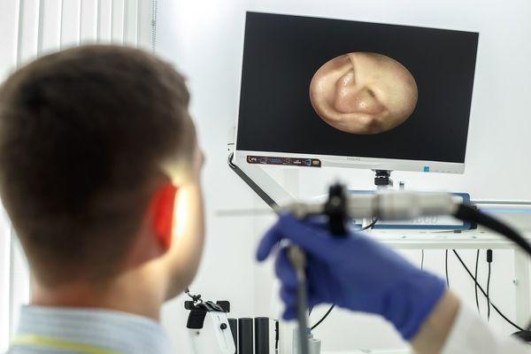Обследование ушей