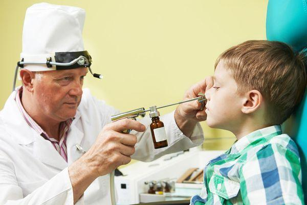 мальчик у врача