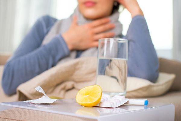 лимон и стакан