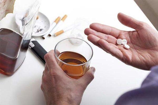 алкоголь и таблетка