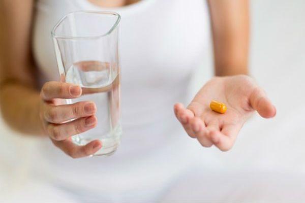 принятие лекарства